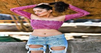 Malvika Sharma hot pics